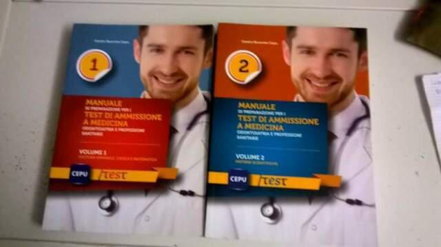 Manuali di preparazione per i test di ammissione a medicina