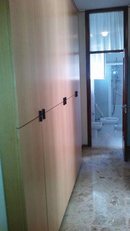 Ampio bilocale arredato con due grandi stanze indipendenti