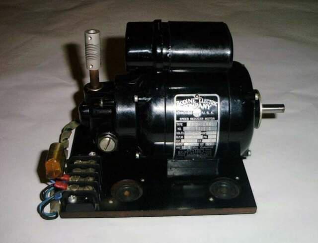 Motore elettrico con riduttore di velocità