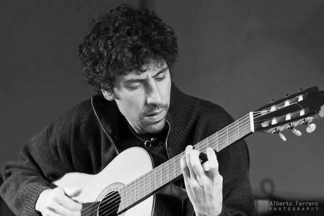 Lezioni / corsi di chitarra moderna e jazz, torino