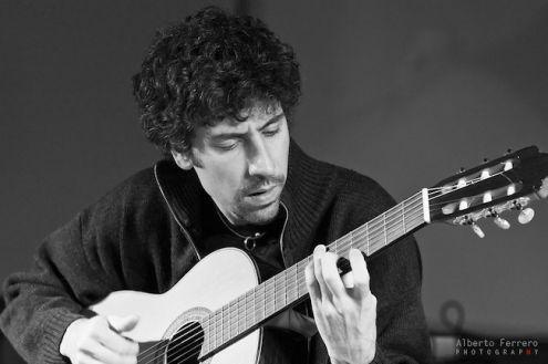 Lezioni corsi di chitarra moderna e jazz, torino