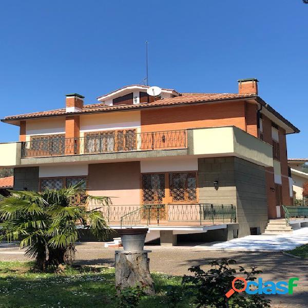 Grottaferrata - villa 9 locali € 679.000 t904