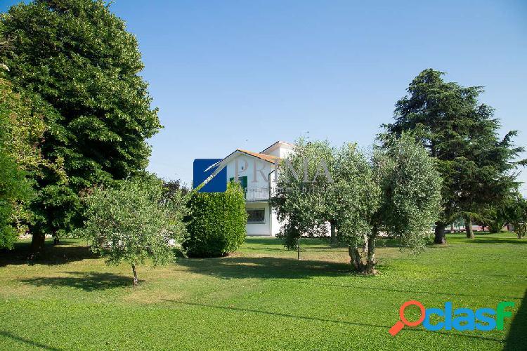 Rif.243sq - soluzione in villa bifamiliare