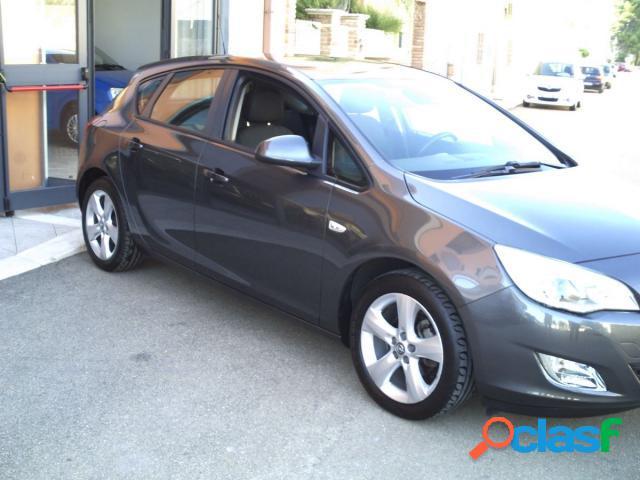 Opel astra benzina in vendita a sava (taranto)