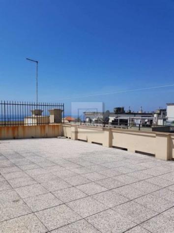 Appartamento di 120 m² con 5 locali in affitto a genova