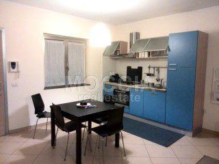 Moccia ampio miniappartamento bilocale arredato moderno con
