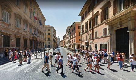 Roma centro storico locale c1 90mq