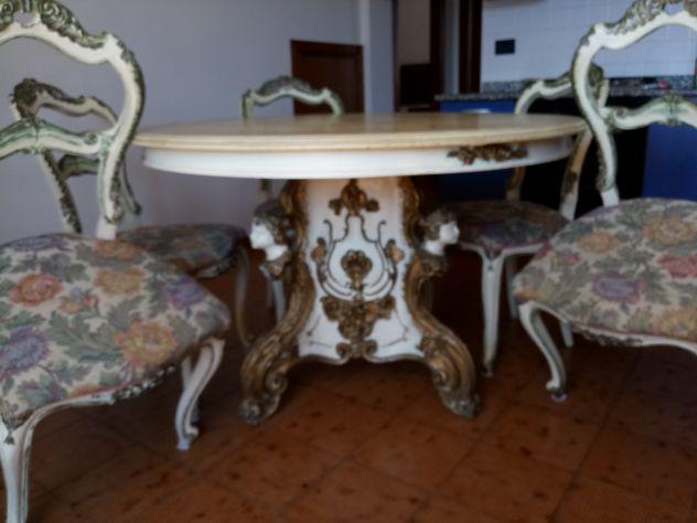Tavolo da cucina con 5 sedie