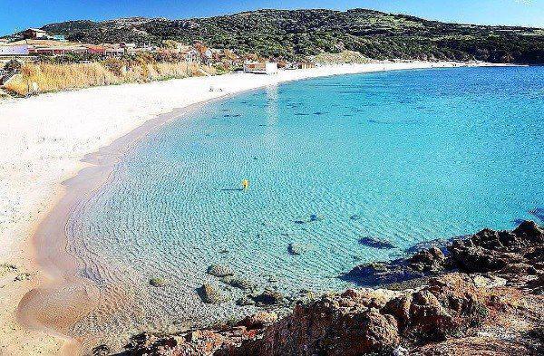 Isola rossa - casa vacanze a due passi dalla spiaggia -