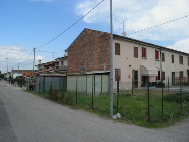 Vendita villetta/casa a schiera con giardino e garage