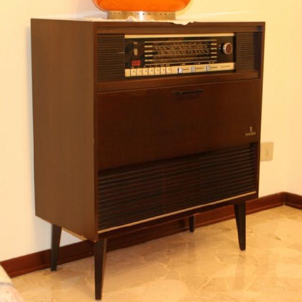 Radio giradischi stereo grundig