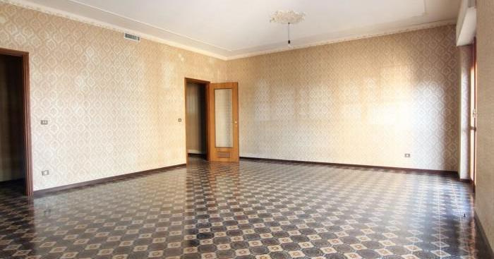 Appartamento e garage mq 172 libero piano 4