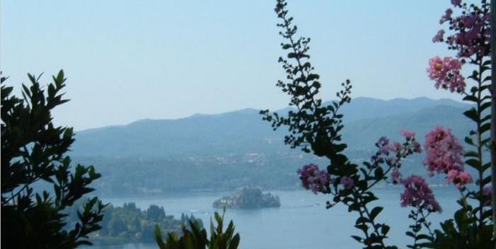 Lago orta 1 ora da mi, villetta e giardino, vista