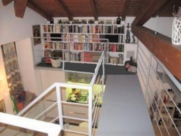 Loft / open space di 120 m² con 4 locali e box auto in