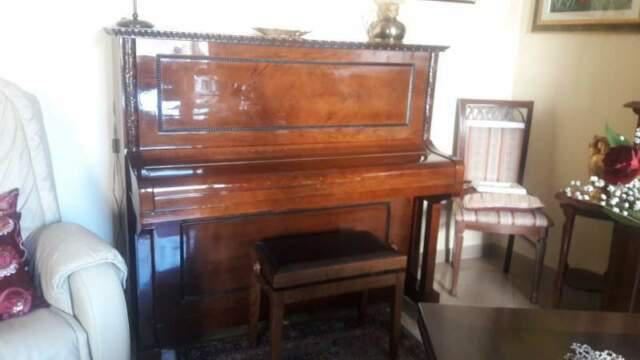 Pianoforte verticale mannsfeldt & notni