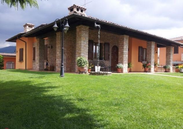 Villa di 390 m² con 5 locali in vendita a rodengo saiano