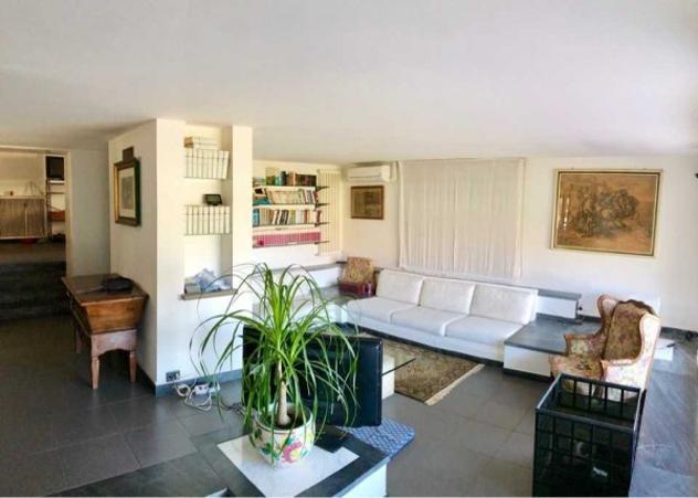 Villa di 400 m² con più di 5 locali e box auto doppio in