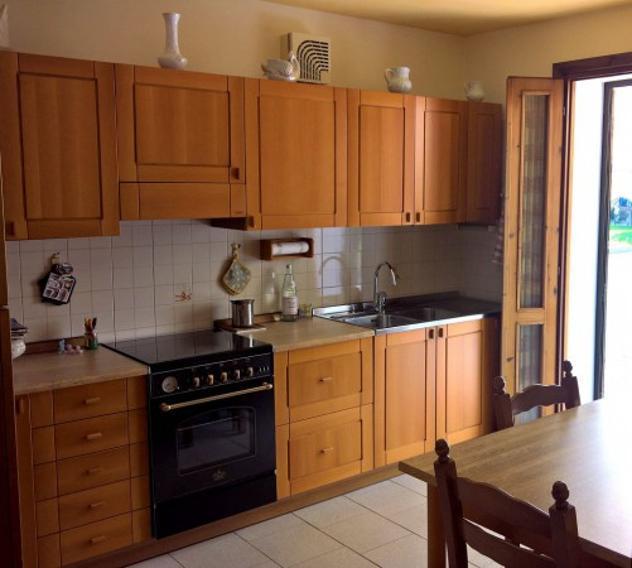 Villetta a schiera di 340 m² con più di 5 locali e box