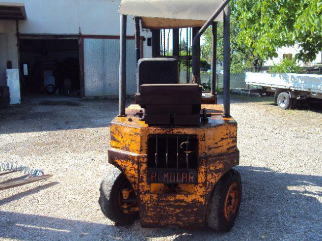 Carrello elevatore muletto 25 q.li diesel usato bello