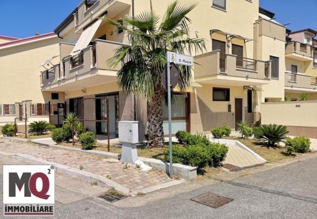 Immobile di 160 m² con più di 5 locali in affitto a