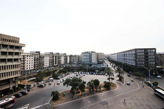 Immobile di 207 m² con più di 5 locali in affitto a