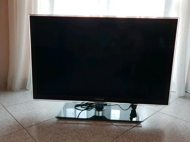 "Tv led samsung 32"" d6100"