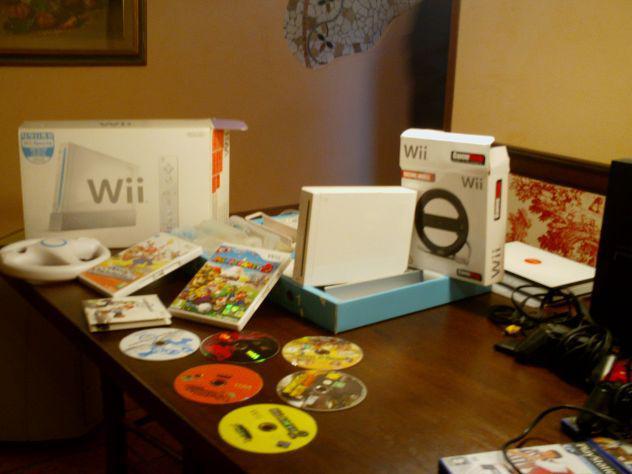 Wii nintendo con regalo playstation2 e 15 videogiochi