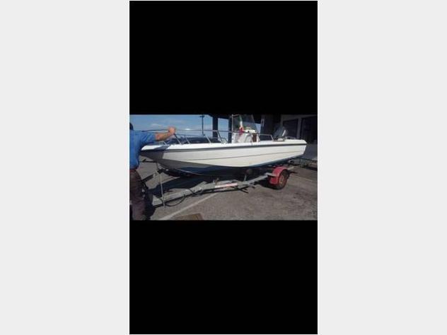 Barca a motorecapelli. anno1990 lunghezza mt5