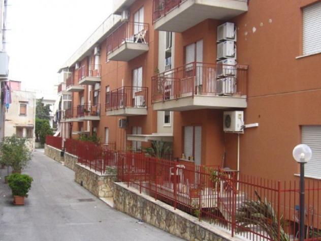 Oreto villagrazia 3 vani 100 mq. ristrutturato in residence