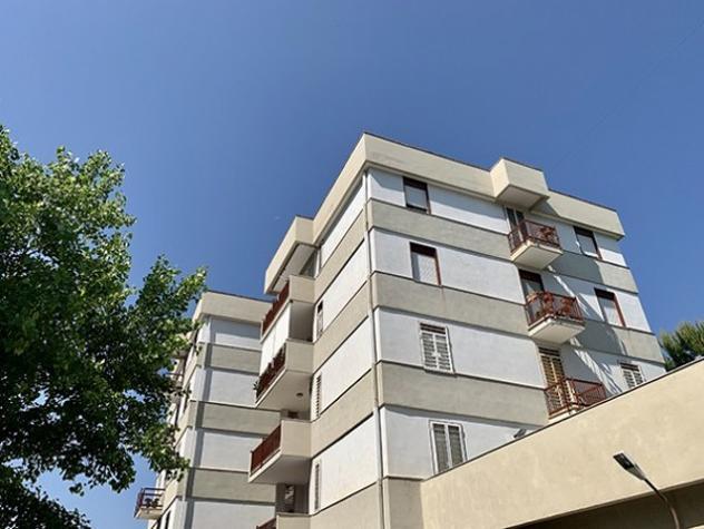 Appartamento di 110 m² con 3 locali in affitto a bari