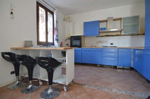 Casa indipendente di 125 m² con 4 locali e posto auto in