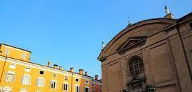 Modena centro storico via sant'agostino 5 61 mq,