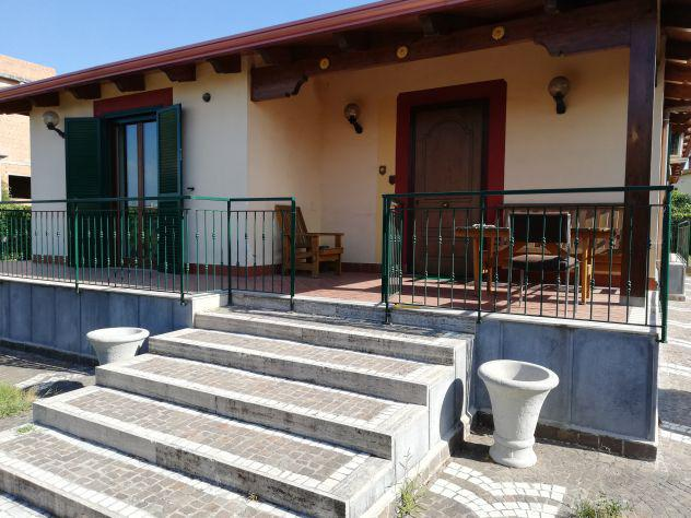 Villa indipendente monolivello con 1500 mq di giardino e