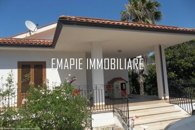 Villa di 130 m² con 3 locali in affitto a palermo