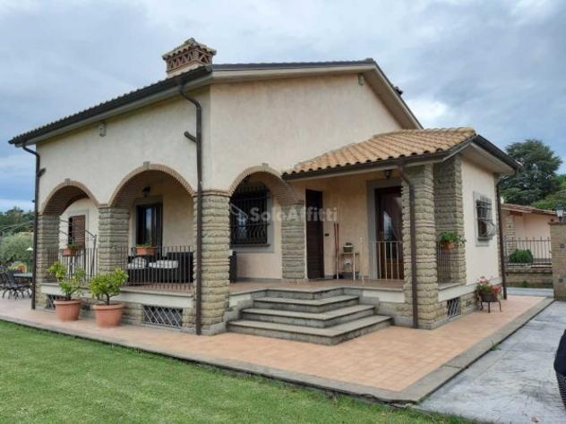 Villa di 90 m² con più di 5 locali in affitto a trevignano