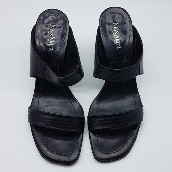 Sandali Bata in raso nero