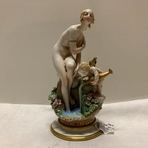 Statuina venere al bagno cappè