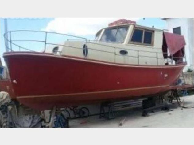 Barca a motore cabinato anno2018 lunghezza mt9