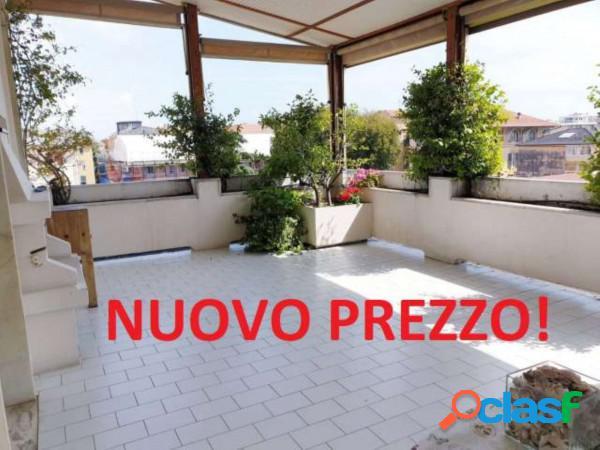 Chiavari appartamento 9 locali 950.000 eur t9191