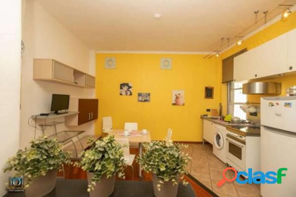 Genova appartamento 25 locali 48.000 eur t2501