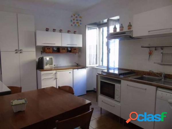Genova appartamento in vendita 2 locali 39.000 eur t296