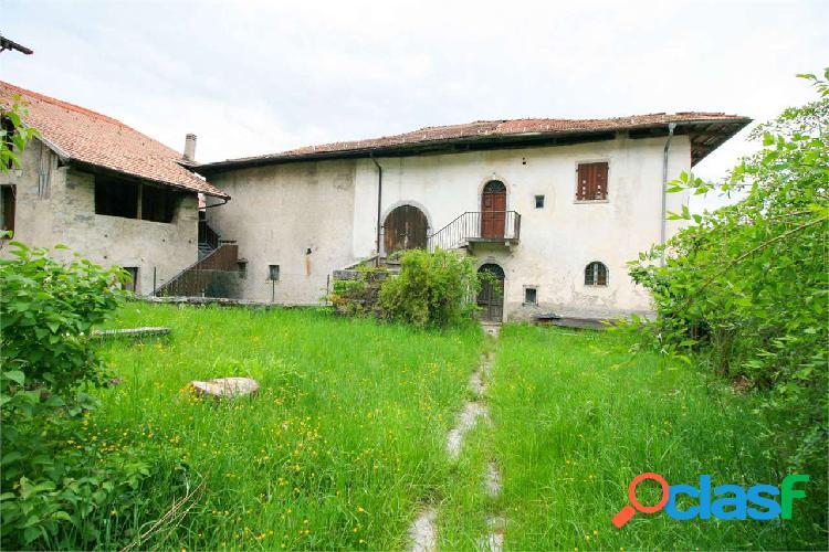 Madice, palazzo storico da restaurare