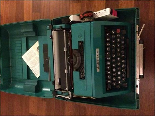 Macchina da scrivere olivetti studio 45 usato