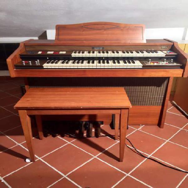 Organo farfisa due tastiere mod. partner 415