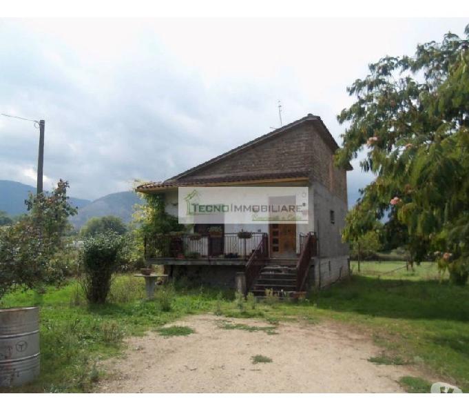 Casa indipendente in localita' monticelli.