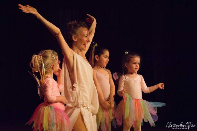 Corso di natural dance baby (danzare per crescere insieme)