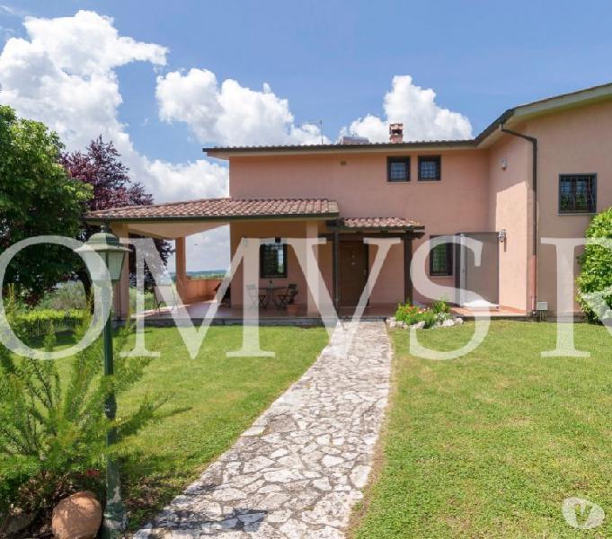 Fiano romano villa 161 mq ottimo stato giardino 1.500 mq