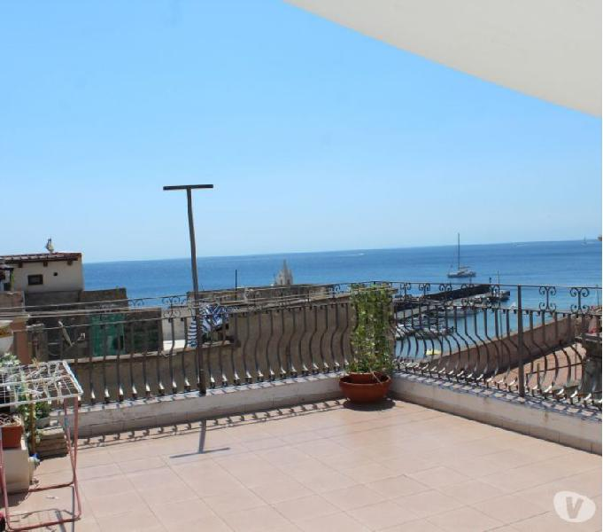 Lipari casa con terrazza, balconi, a marina corta,cod.ve 730
