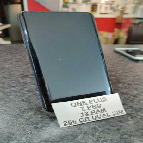 One plus 7 pro 12 gb memoria 256 gb usato perfetto