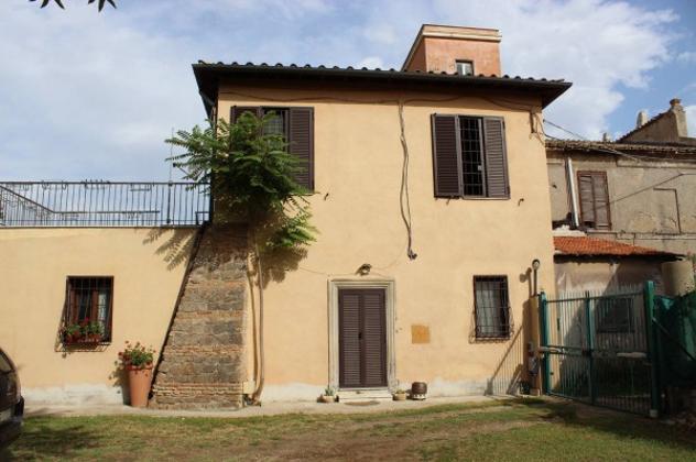 Rustico / casale di 194 m² con più di 5 locali in vendita